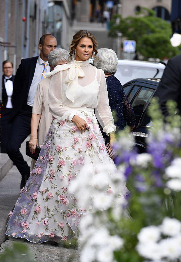 escort matilda svensk mormor knullar