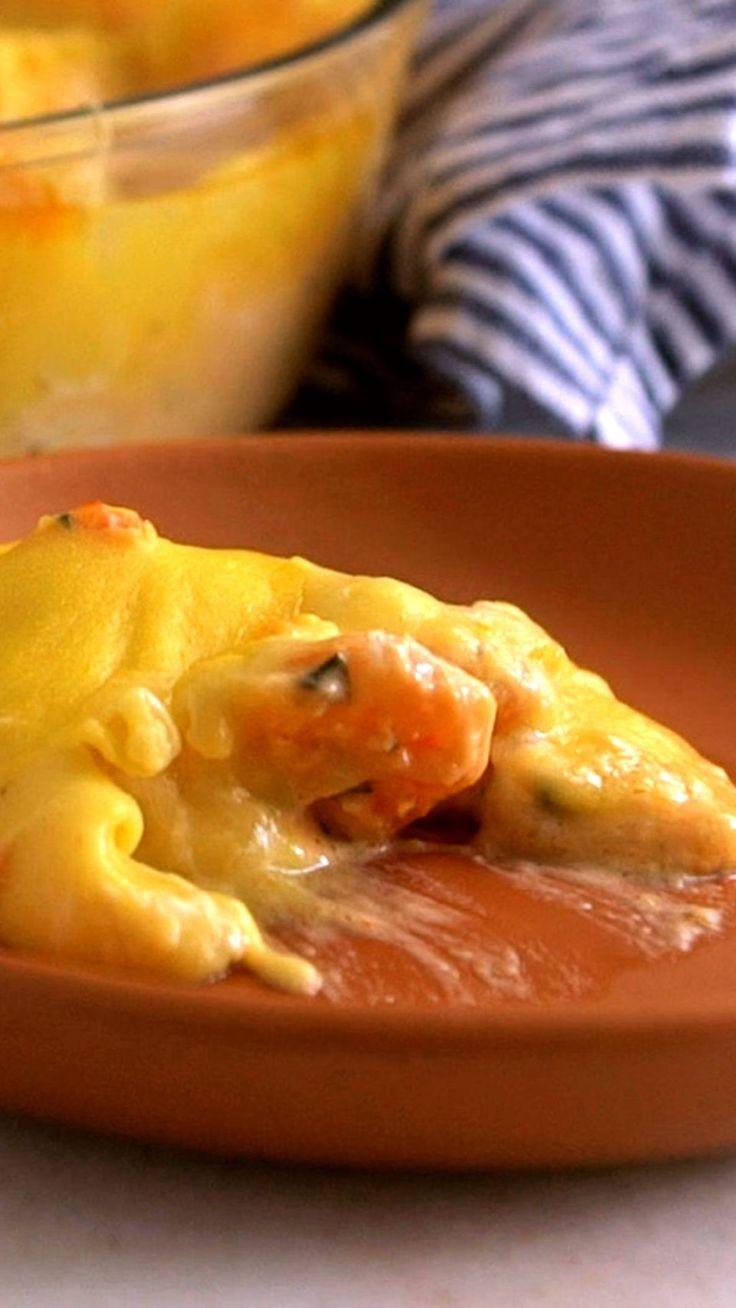 Aprecie sem moderação essa maravilhosa receita de escondidinho de camarão!