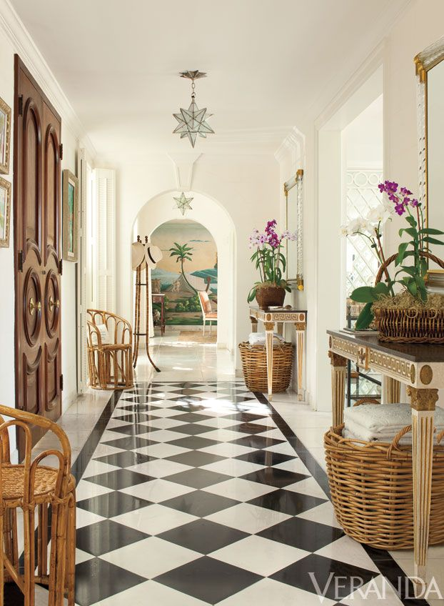 House Tour: Lyford Cay Villa