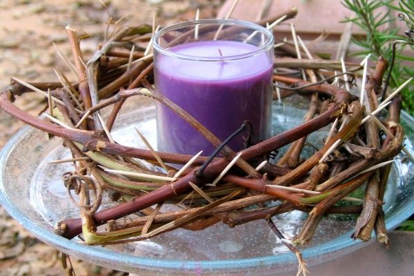 """Crown of thorns centerpiece to use during Lent.  Put 46 toothpicks in the crown.  When reading the daily lent devotional, light the candle and take out a toothpick.  When the """"thorns"""" are gone, Christ will be Risen."""