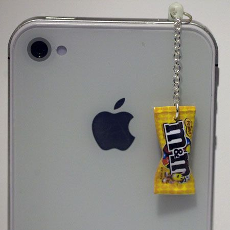 """♥♥+M&M+PEANUT+CANDY+EARPHONE+PLUG+♥♥    This+is+a+Super+Cute+(Kawaii)+M&M+PEANUT+CANDY+ear+plug+that+fits+into+a+3.5mm+headphone+jack+:+iphone+4/4G/3G,+HTC,+Blackberry,+iPad+1/2,+other+product+with+3.5mm+headphone+jack.    The+Measurement:+approx.+1.75""""+H    Each+ear+plug+purchased+will+come+in+a..."""