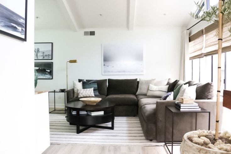 CALIFORNIA CASUAL LIVING ROOM by Erin Neally of Holtwood Hipster for One Room Challenge