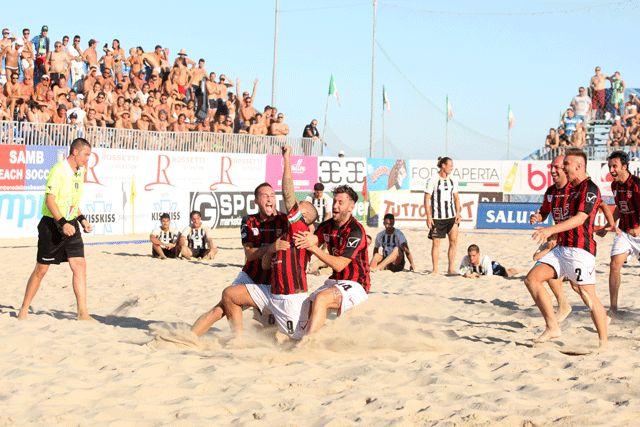 Serie A Enel 2013: scoppia la gioia di Milano dopo la vittoria ai rigori con Viareggio alle semifinali