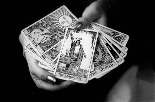 Haz tu tirada con el centro latino de tarot una manera sencilla de hacer tu lectura de cartas del tarot http://ift.tt/1VHedR9 #lecturadetarot  Tarot en línea cartomancia gratis