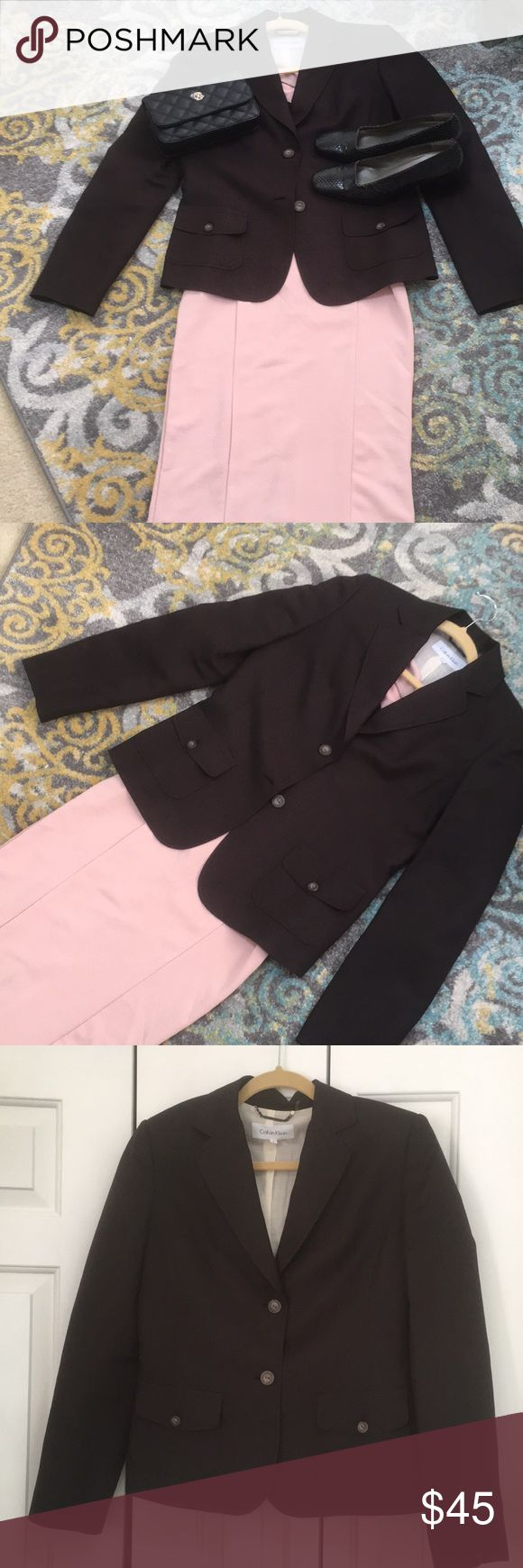 🌸Calvin Klein Linen Jacket 🌸Size 6 Perfect Spring Jacket. 🌺 Size 6 🌸 Has a cotton lining. Nicely tailored 🌸 Worn twice.🌸 Freshly dry cleaning 🌸 Calvin Klein Jackets & Coats Blazers