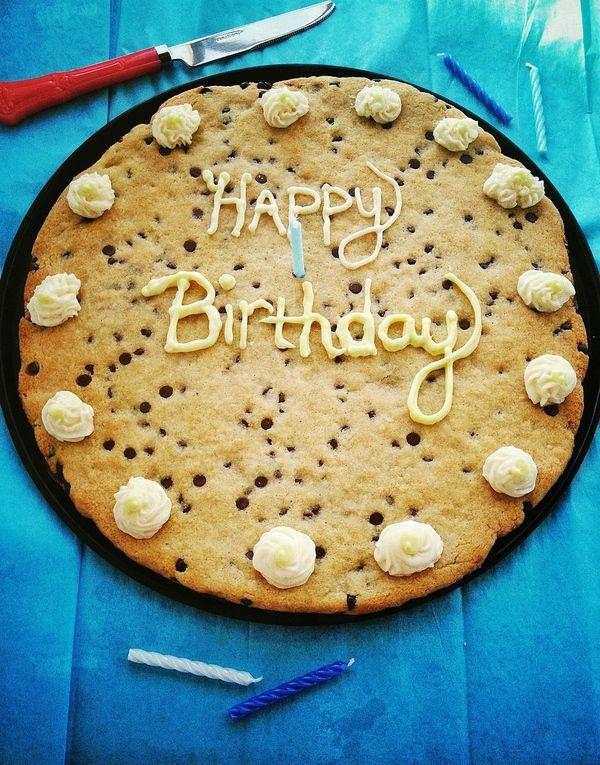 Chocolate Chip Cookie Cake. (Gluten/Grain/Egg/Dairy/Sugar Free. Paleo & Vegan)