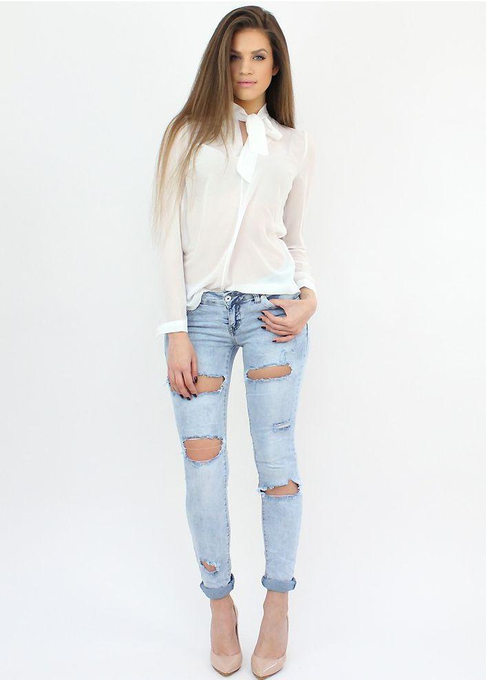 Chic Ripped Jeans- http://famevogue.ro/produse_noi_94/jeansi_uzati_alabastru_deschis  #jeans #boyfriend #style #fashion #shopping