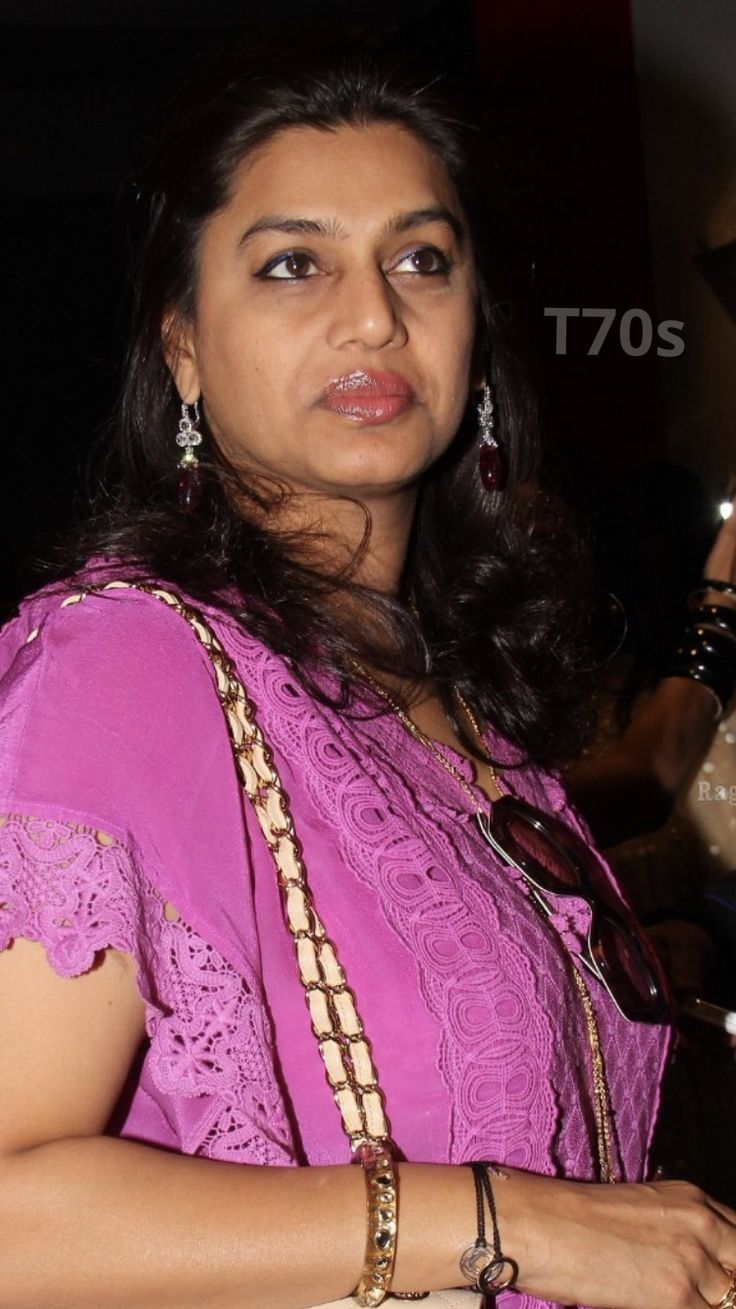 #PinkyReddy  #HotIndianMILF Pinky Reddy is 50 year old Indian beauty. Hot Milf, milf, desi milf, Aunty.