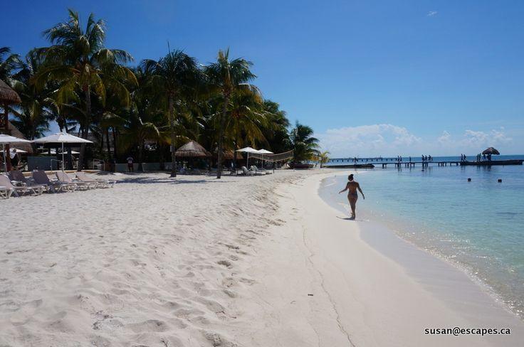 Isla Mujeris Palace, with powdery whites sand