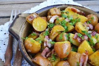 Pofta vine gatind!: Cartofi cu kaizer si ceapa (la cuptor)