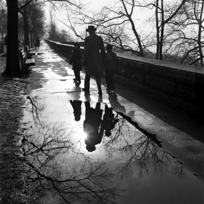 Vivian Maier - New York, NY, January 1953 [via My Modern Metropolis]
