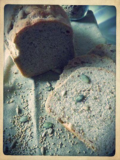 Pane ai semi fatto in casa