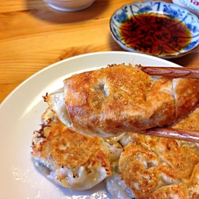サラダ油は万病の元。レシピはDE-OILブログをご覧下さい。 http://deoil.blog.fc2.com/ - 7件のもぐもぐ - 鯖水煮缶の餃子その1 (焼き餃子) by Yoko Hayashi