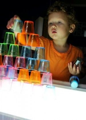Light Board Amazement! http://rhythmofthehome.com/2011/08/playing-with-light-table-children-reggio-activities/