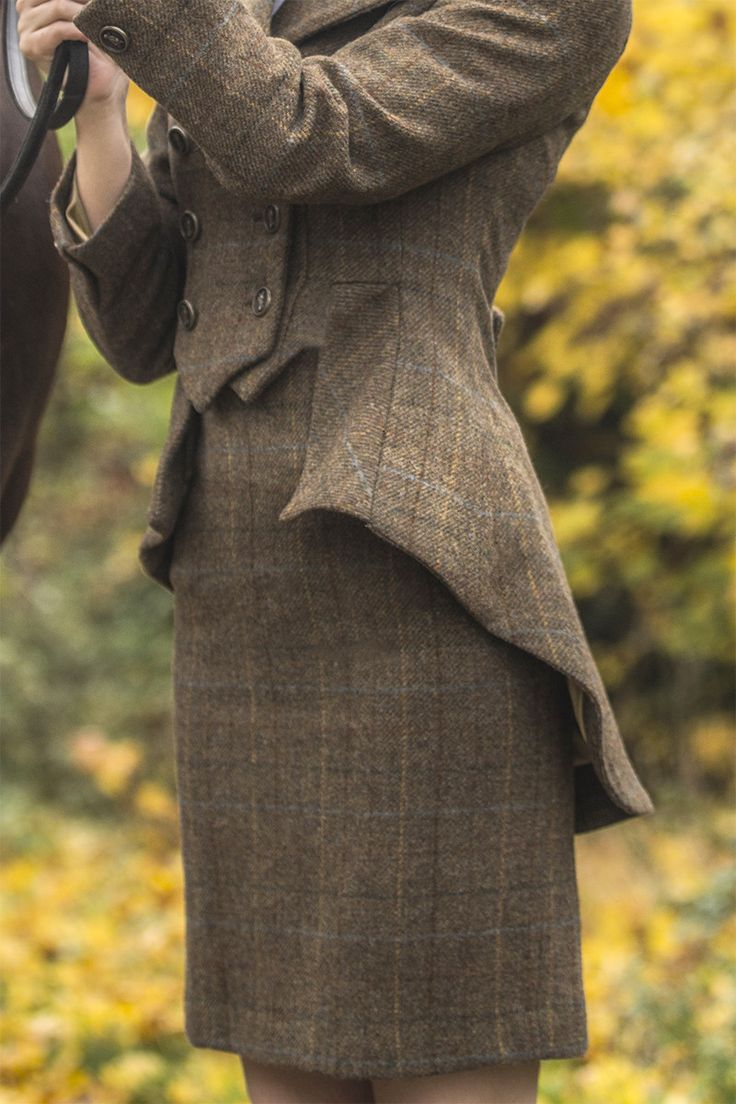Tailored Skirt Fiddich Tweed   Give your Great Scot style even more versatility. This skirt looks terrific paired with a white blouse or cashmere knit.  Available in tweeds to match our Lieutenant Jacket, Lady Mary Jacket and Lady Mary Waistcoat.  Ideal for your next In-Hand Showing Class, Eventing Trot-Up or a day out at the Races. Our classic, vintage-inspired skirt has a form fitting cut and high waist fit