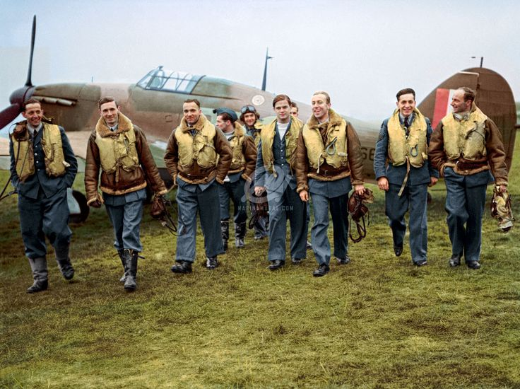 "historicaltimes: "" Color by me: Pilots of No. 303 Squadron RAF with one of their Hawker Hurricanes, October 1940. Seguir leyendo """