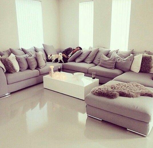 Väldigt stor soffa!