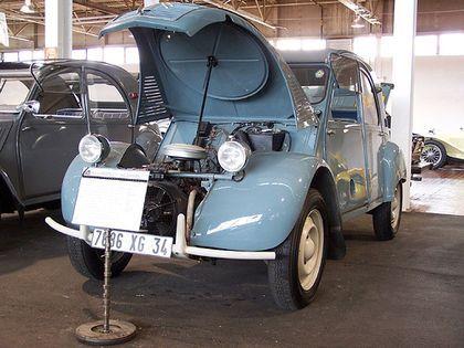 Citroën 2CV Sahara - Taringa!