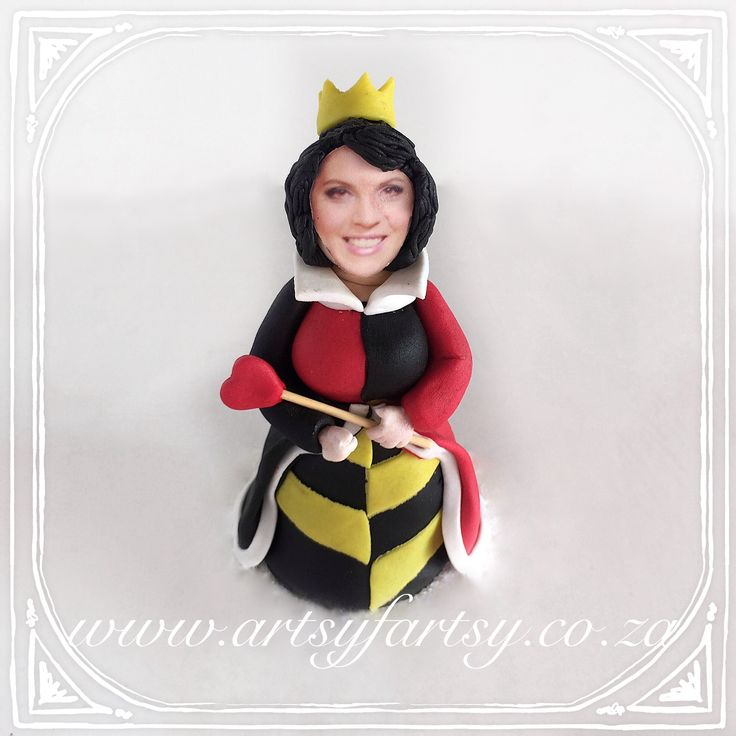 Alice in Wonderland Sugar Figurines #aliceinwonderlandsugarfigurines #queenofhearts