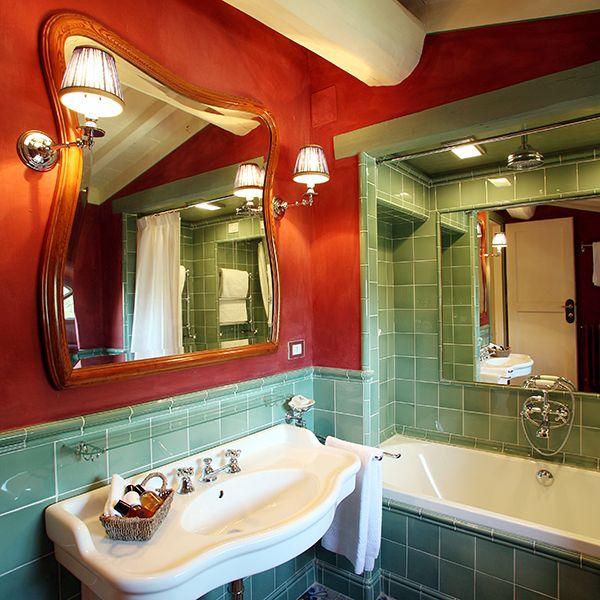 Oltre 25 fantastiche idee su piccolo spazio per il bagno for Piccolo cottage che vive