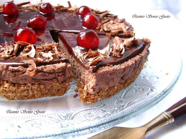 Cheesecake al cioccolato fondente e amarene   http://quintosensogusto.blogspot.it/2015/06/cheesecake-al-cioccolato-fondente-con.html…