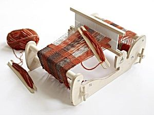 Discover the Amazing Cricket Weaving Loom