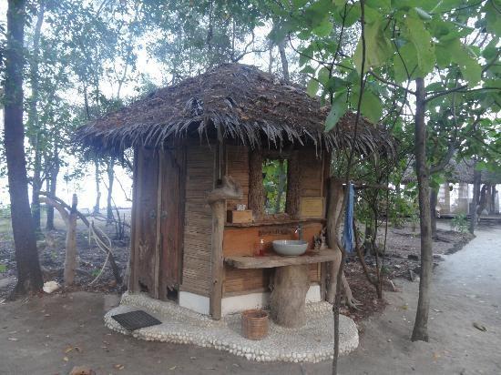 Tiger ISlands Eco Resort & Village: public bathroom