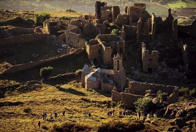 Les ruines d occi village abandonn pr s de lumio - Acheter village abandonne ...