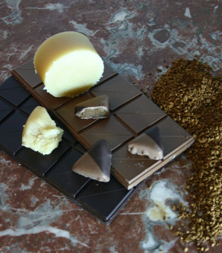 Køb økologiske fyldte chokolader og ganache online her