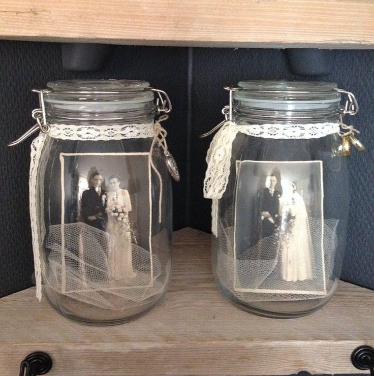 Weckpotten met oude trouwfoto's kant