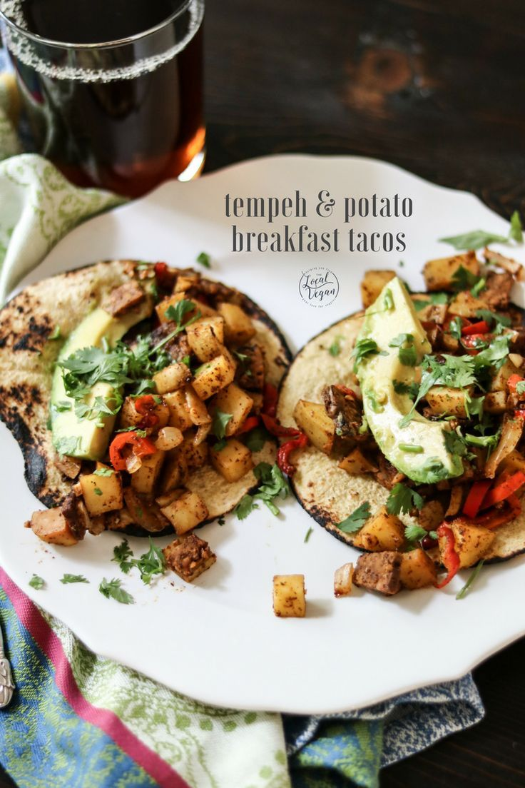 Tempeh and Potato Breakfast Tacos - Healthy #Vegan Brunch / Breakfast Recipes - #plantbased #cleaneating
