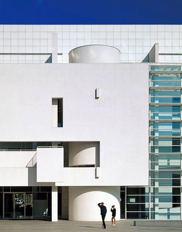 Museo Mac de Barcelona, Richard Meier & Partners Architects, LLP, 1995, Barcelona, España. Fotografía: Scott Frances