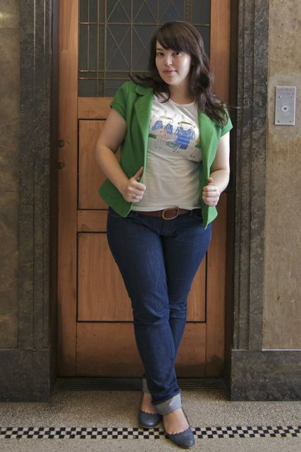 Lilli from Frocks and Frou Frou. Effortlessly cool in well-fitting jeans with a pop of green.