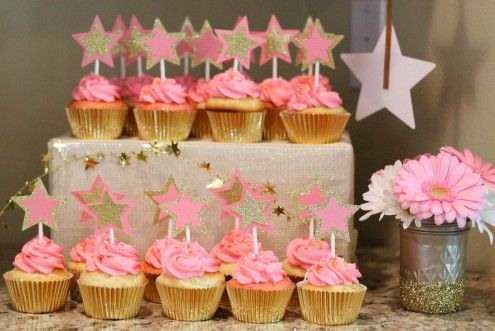 liking the cupcakes! Twinkle Twinkle Little Star party