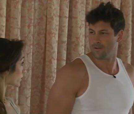 regele leu 3 in romana online dating: dwts season 18 week 3 meryl and maks dating