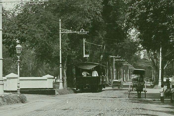 Trem listri Batavia beroperasi 1899