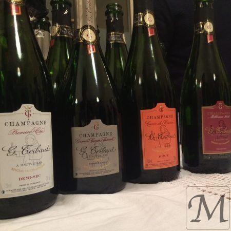 I dag er der arrangeret champagnesmagning hos konditor Frédéric Terrible på Frederiksberg. Vi skal smagechampagner fra huset G. Thibaut leveret fra Vinarium.    Dertil 3 macaron salé og 3 søde.   #champagne #macaron #smagning