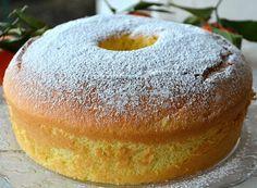 Un dolce sofficissimo e privo di grassi, profumato al mandarino, ideale per la colazione o una dolcissima merenda.
