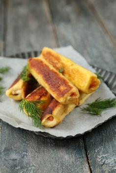 Petits rouleaux de pain perdu au saumon , citron et aneth