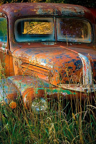 17 best ideas about rusty cars on pinterest volkswagen abandoned cars and buy old cars. Black Bedroom Furniture Sets. Home Design Ideas