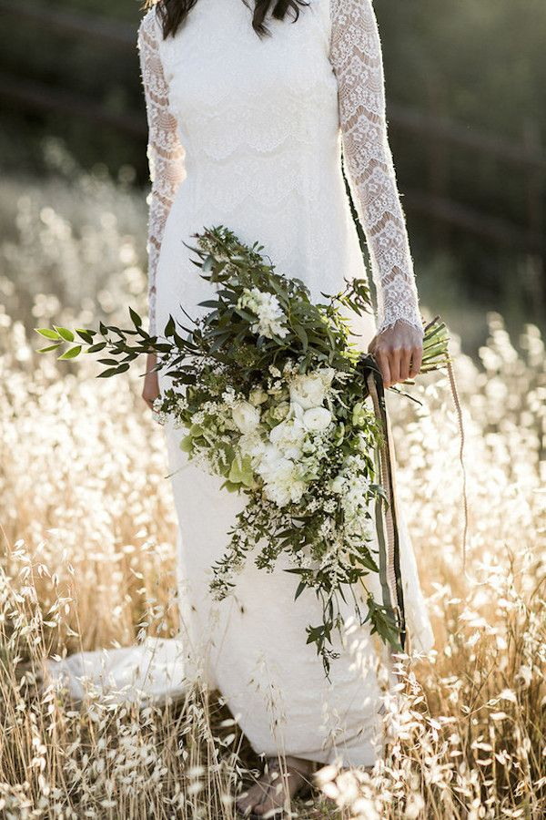 Bohemian ranunculus wedding flower ideas for your bridal bouquet