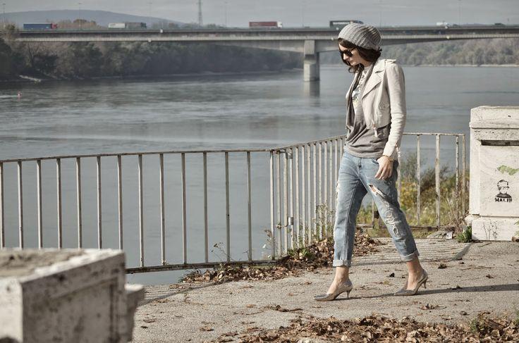 boyfriend jeans, leather jacket http://oneplusme.blogspot.sk/2014/10/dunaj.html