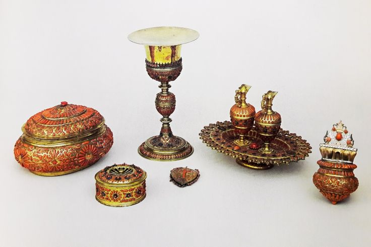 Gold altar service adorned with coral by Anonymous from Trapani, first half of the 17th century, Skarbiec Paulinów na Jasnej Górze, offered by Michael Korybut Wiśniowiecki to the Jasna Góra Monastery in 1670