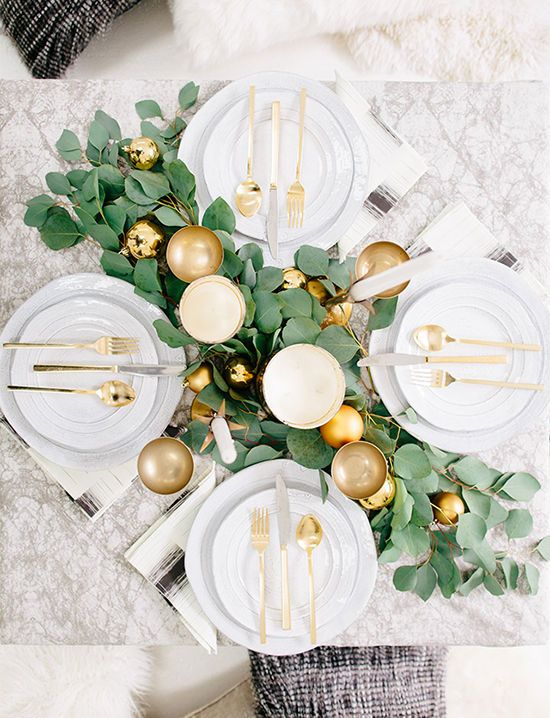 Holiday entertaining with a greens & gold tablescape design | designlovefest