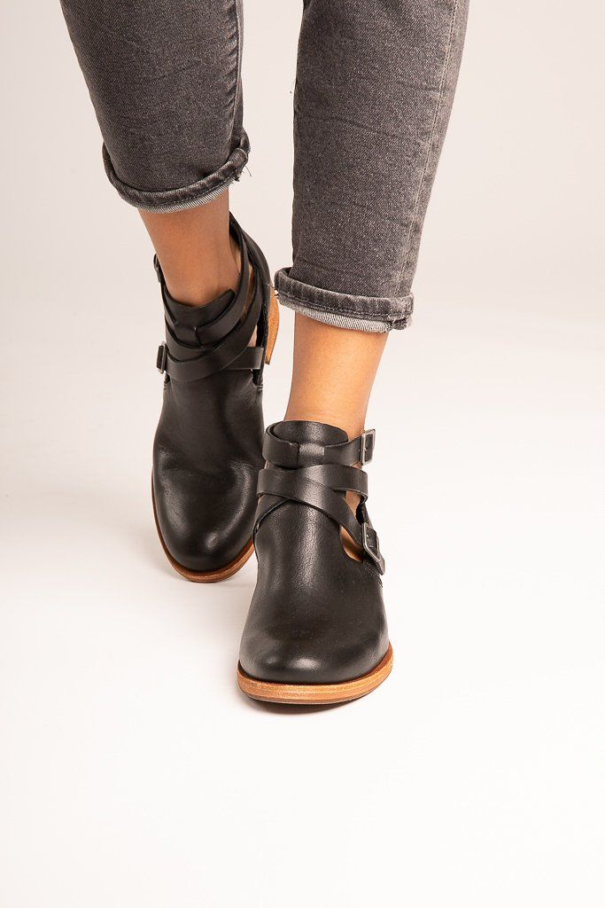 89d74e2f726 Kork-Ease: The Jardin Boot in Black in 2019 | STYLE | Boots, Shoes ...