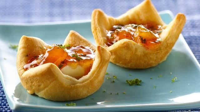 Peachy Cream Cheese Appetizers - http://www.pillsbury.com/recipes/peachy-cream-cheese-appetizers/21097af6-5b0e-49cc-a38d-eebbae6ff84c/#