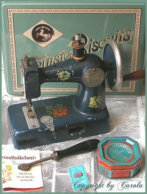 Antique Little sewing machine.