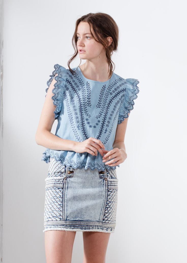 Aje chambrat crop top embroidery backless Elise.  #AjeTheLabel #Fashion #Style #Lace #BroderieAnglaise #Embroidery #Frill #Sequins #Texture #Exclusive #Summer17 #EdwinaRobinson #AdrianNorris #White #Chambray #Navy #Nautical #LaDolceVita #Travel #Inspiration #
