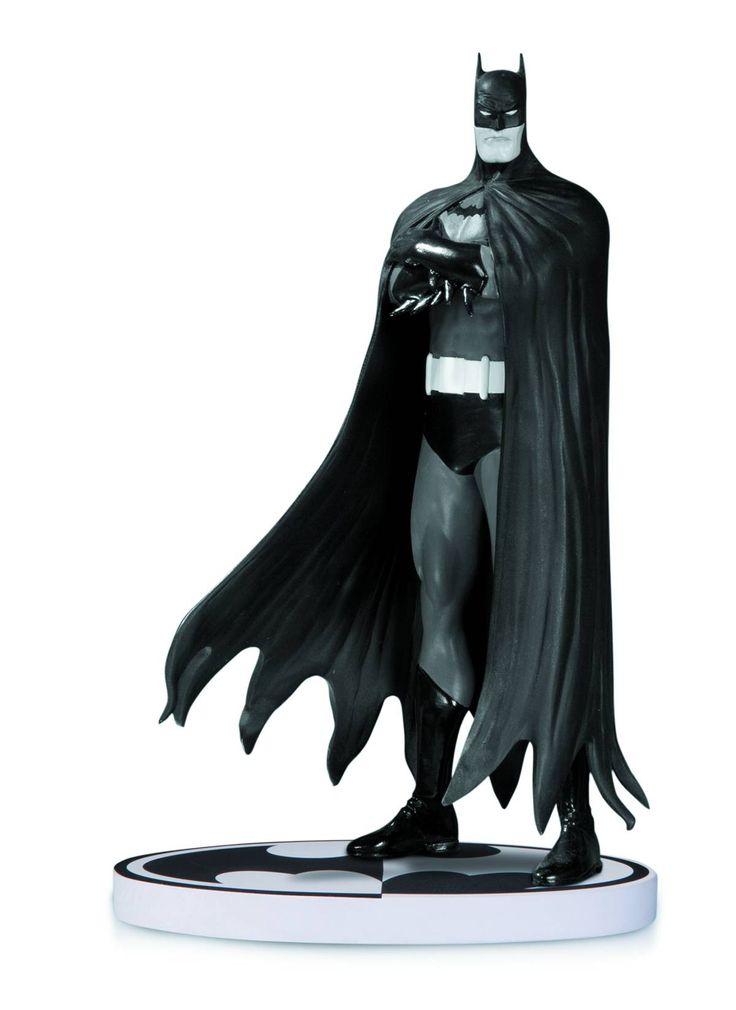 BATMAN BLACK & WHITE STATUE BY BOLLAND 2ND EDITION