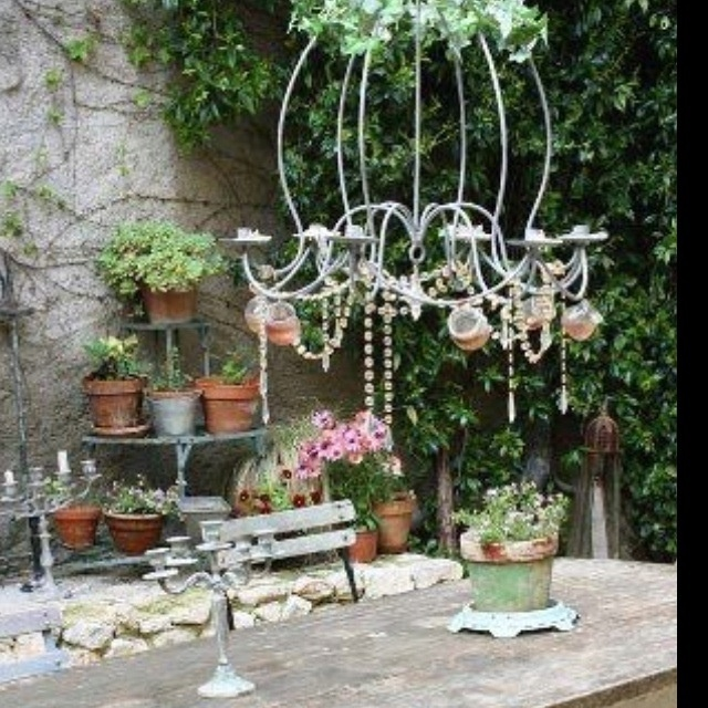 shabby chic garden ideas